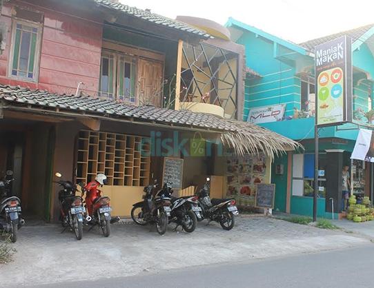 Maniak Makan Cafe & Resto